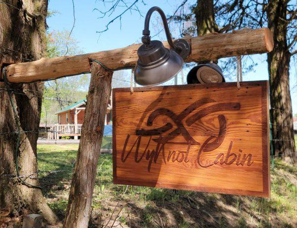 arkansas_cabin_rental_sign